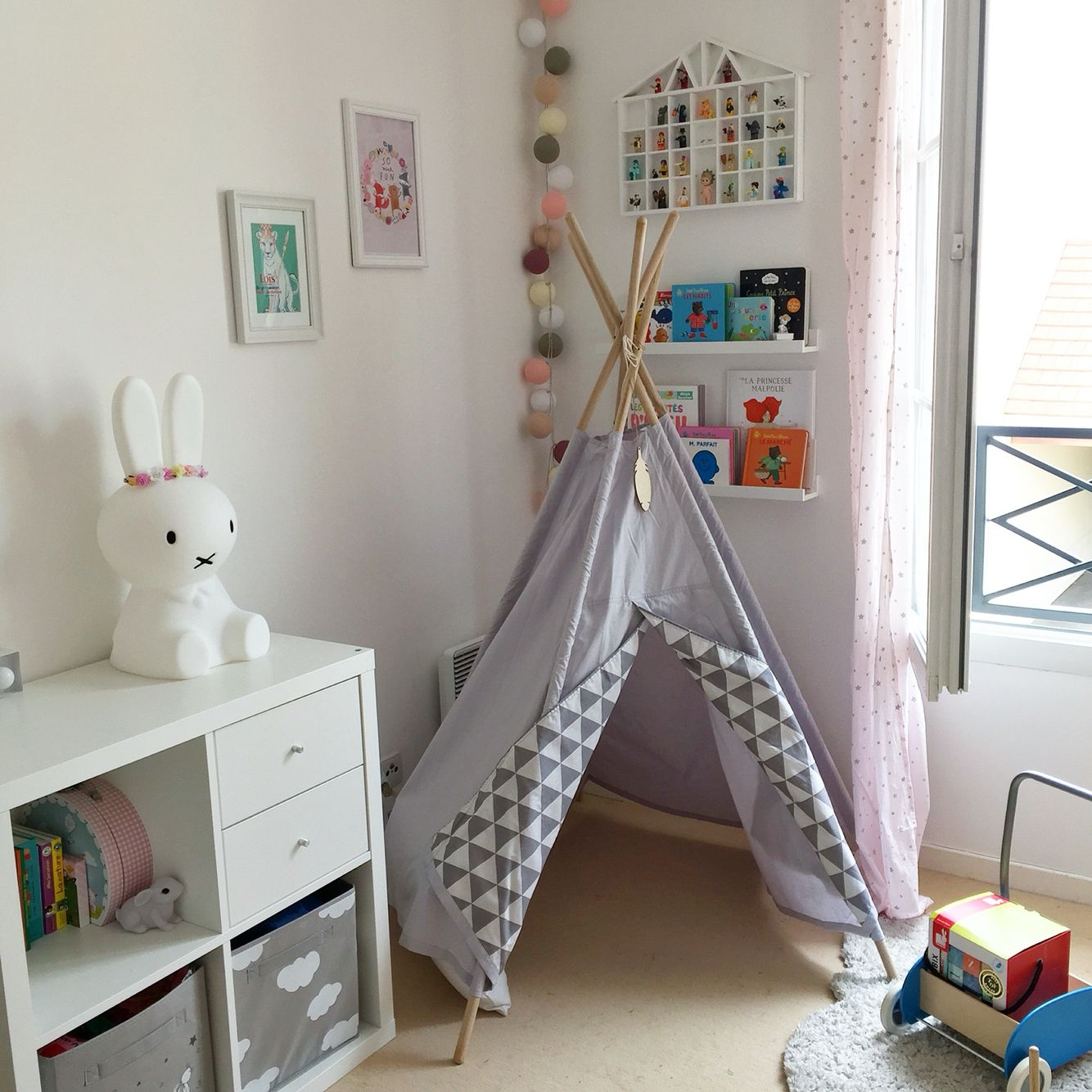 chambre b b enfant fille tipi little nomad meubles ikea baby kids room pinterest. Black Bedroom Furniture Sets. Home Design Ideas