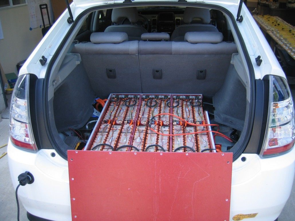 Difference Between Hybrid Car Batteriy & Conventional