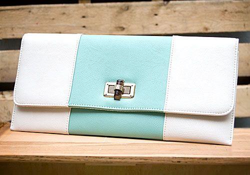 Mint & Cream Clutch with detachable chain // $27.99 // shopboldthreads.com // #bold #threads #boldthreads #purse #clutch #accessories #fashion #mint #green #cream #ivory
