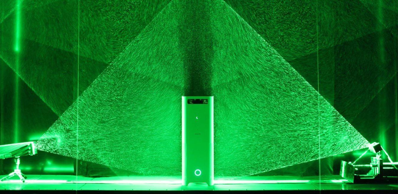 バルミューダの空気清浄機AirEngineは、独自のWファン構造と新しい360°酵素フィルターで、部屋中の空気を吸引し、除菌・脱臭を行います。