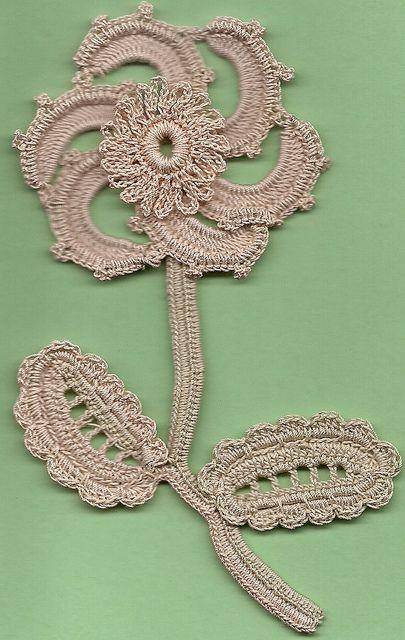 Irish Crochet Lace   FREEFORM & POM POM   Pinterest   Irisch, Irisch ...