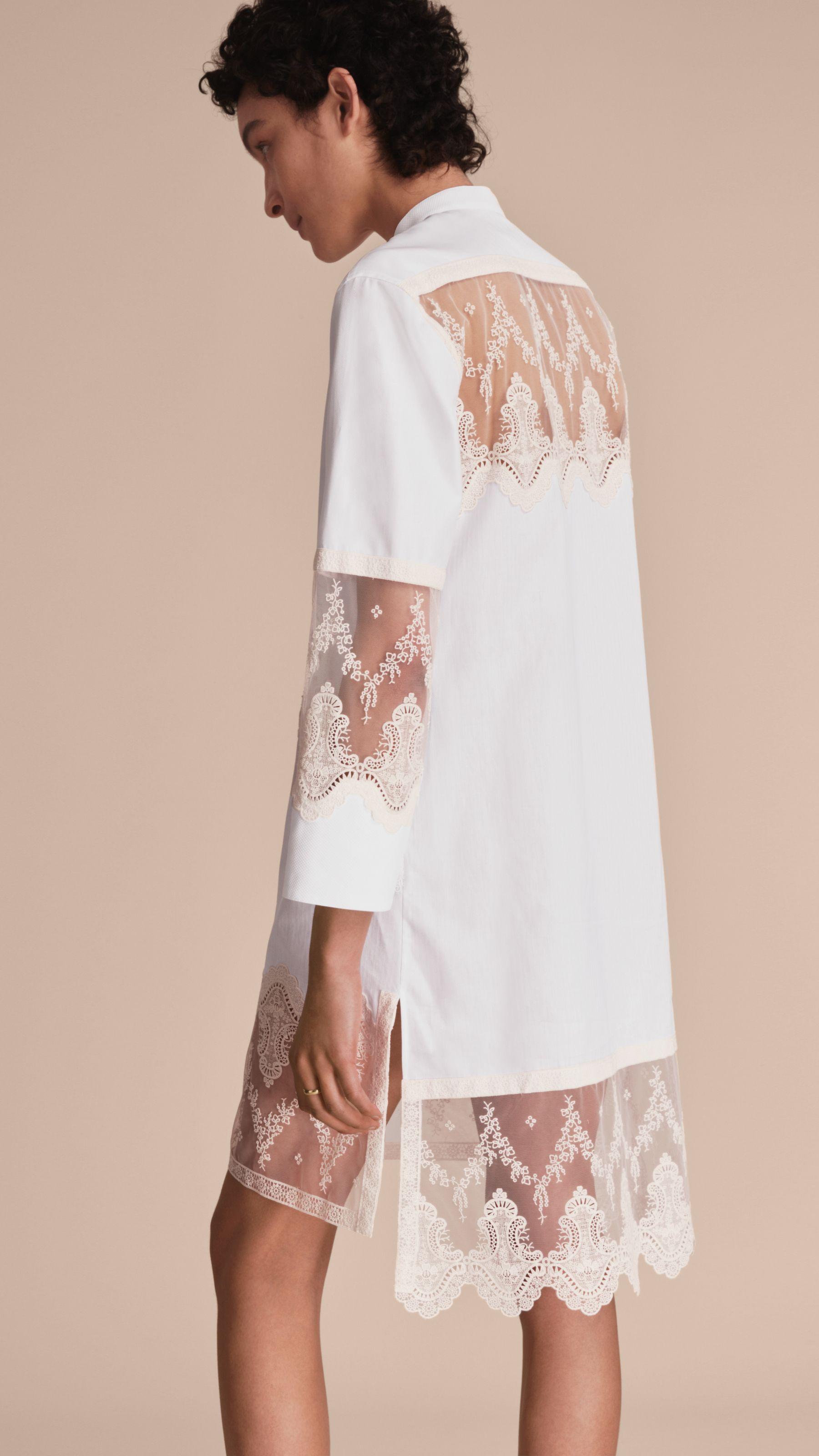 60b5709ec9e Hemdkleid aus Baumwolle mit Spitzenmuster (Weiss)