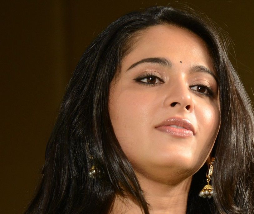 Actress Anushka Shetty Beautiful Long Hair Smiling Chubby