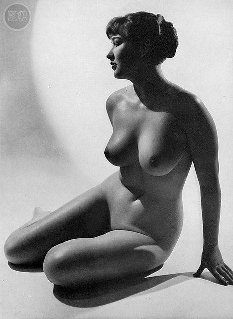 vintage women Pinterest nude