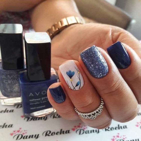 63 Bright Floral Nail Designs You Should Try For Spring 2019 With Images Floral Nail Designs Floral Nails Cute Spring Nails