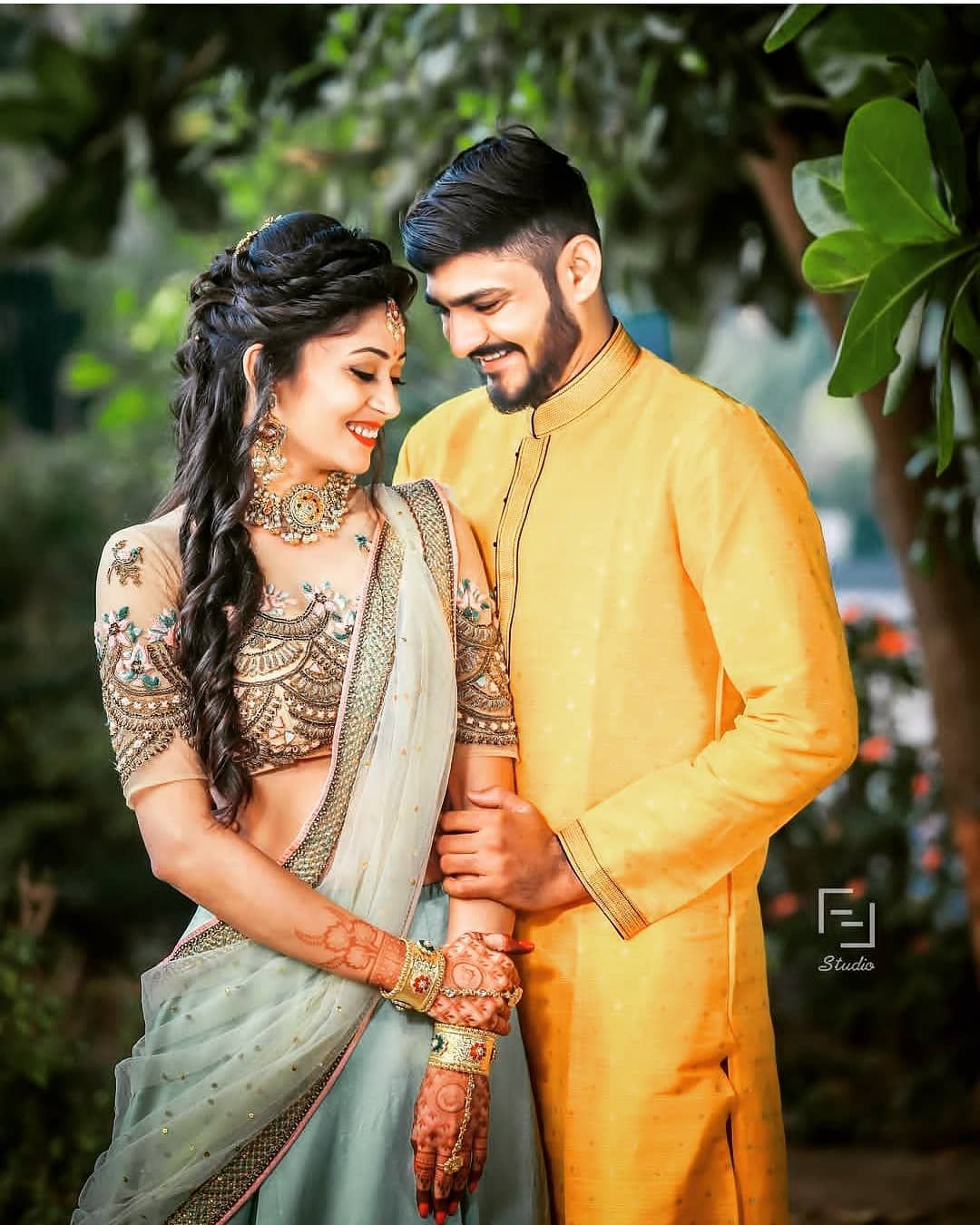 Dahudlod Wedding couple poses photography, Indian