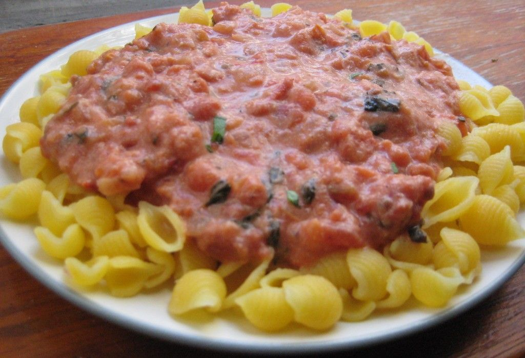 I love vodka sauce. It's one of my absolute favorite dishes at an italian restaurant. But let's face it, when your diet is free of gluten and dairy, Italian food is the first cuisine to go out th...