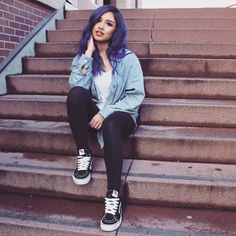 Grunge Outfits, 90s Grunge, Purple Hair, Hair Colors, Winter Style,  Youtubers, Style Ideas, Hair Styles, Tattoos