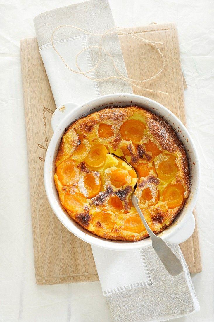 Clafoutis mit Aprikosen | Zeit: 40 Min. | http://eatsmarter.de/rezepte/clafoutis-mit-aprikosen-0