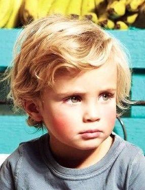Handsome Little Guy Kleinkind Junge Haarschnitt Frisur