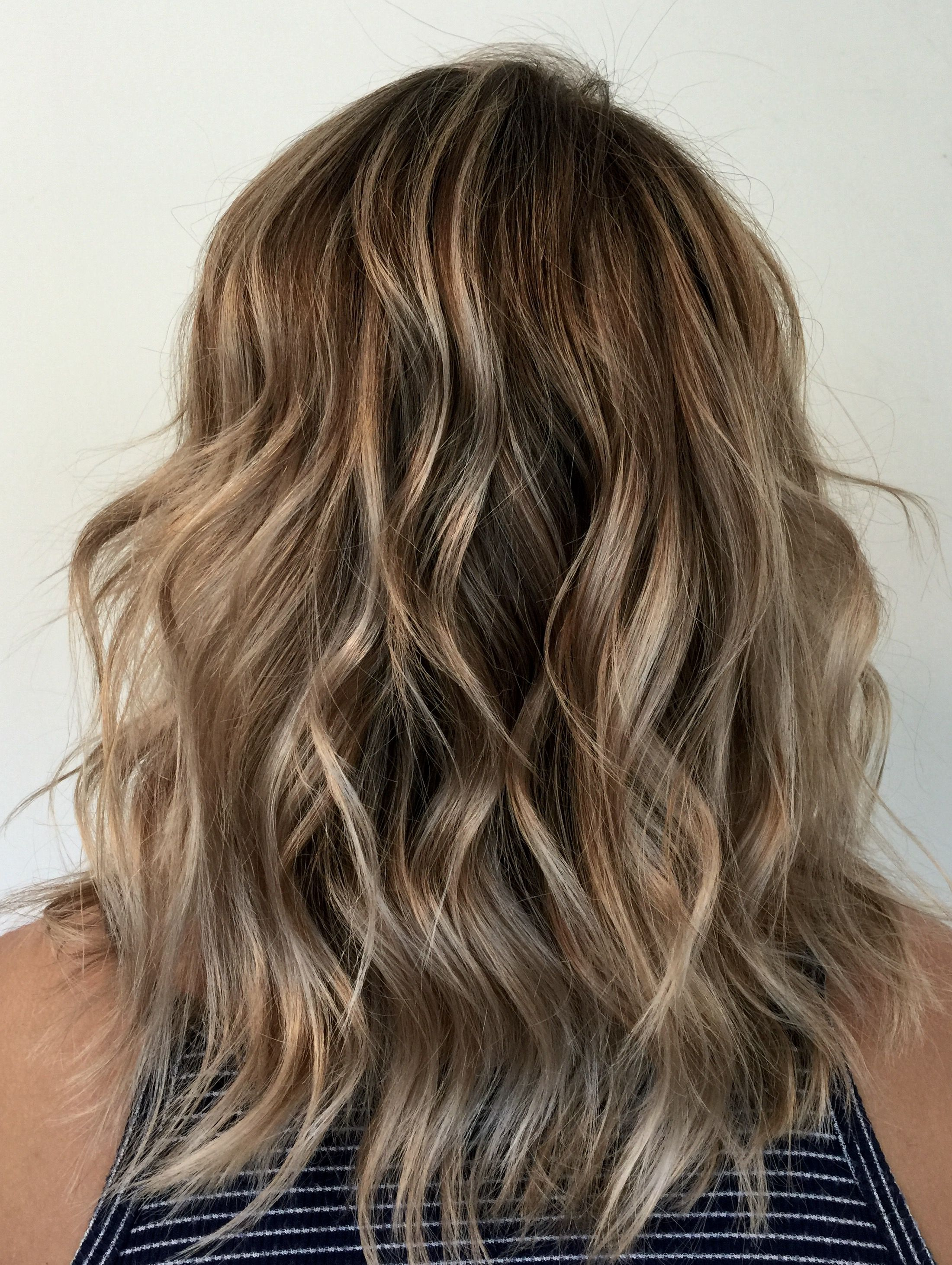 dirty blonde lob haircut textured