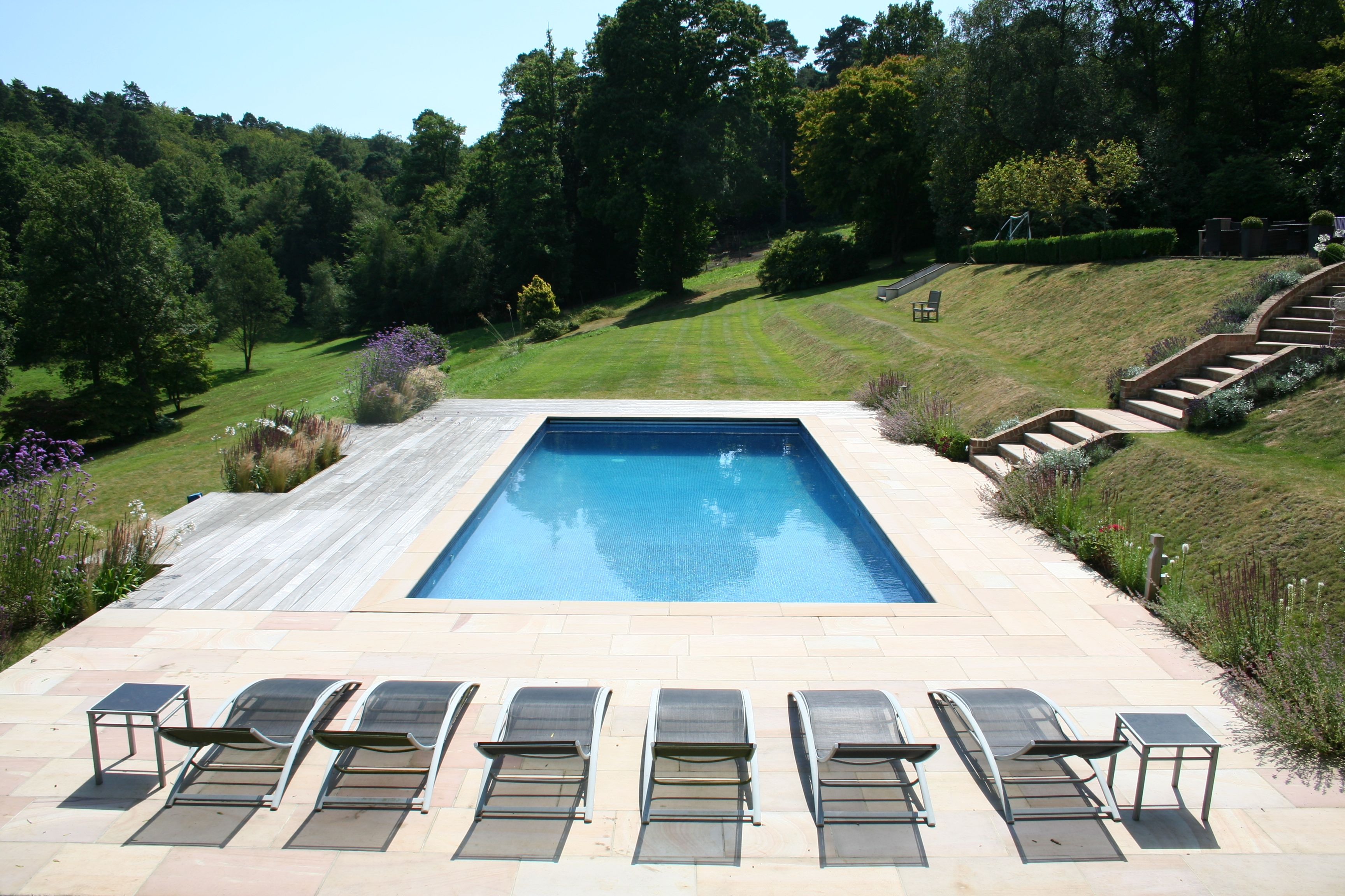 English Country Garden Hillside Pool Hillside Pool Pool Contractors Cool Swimming Pools