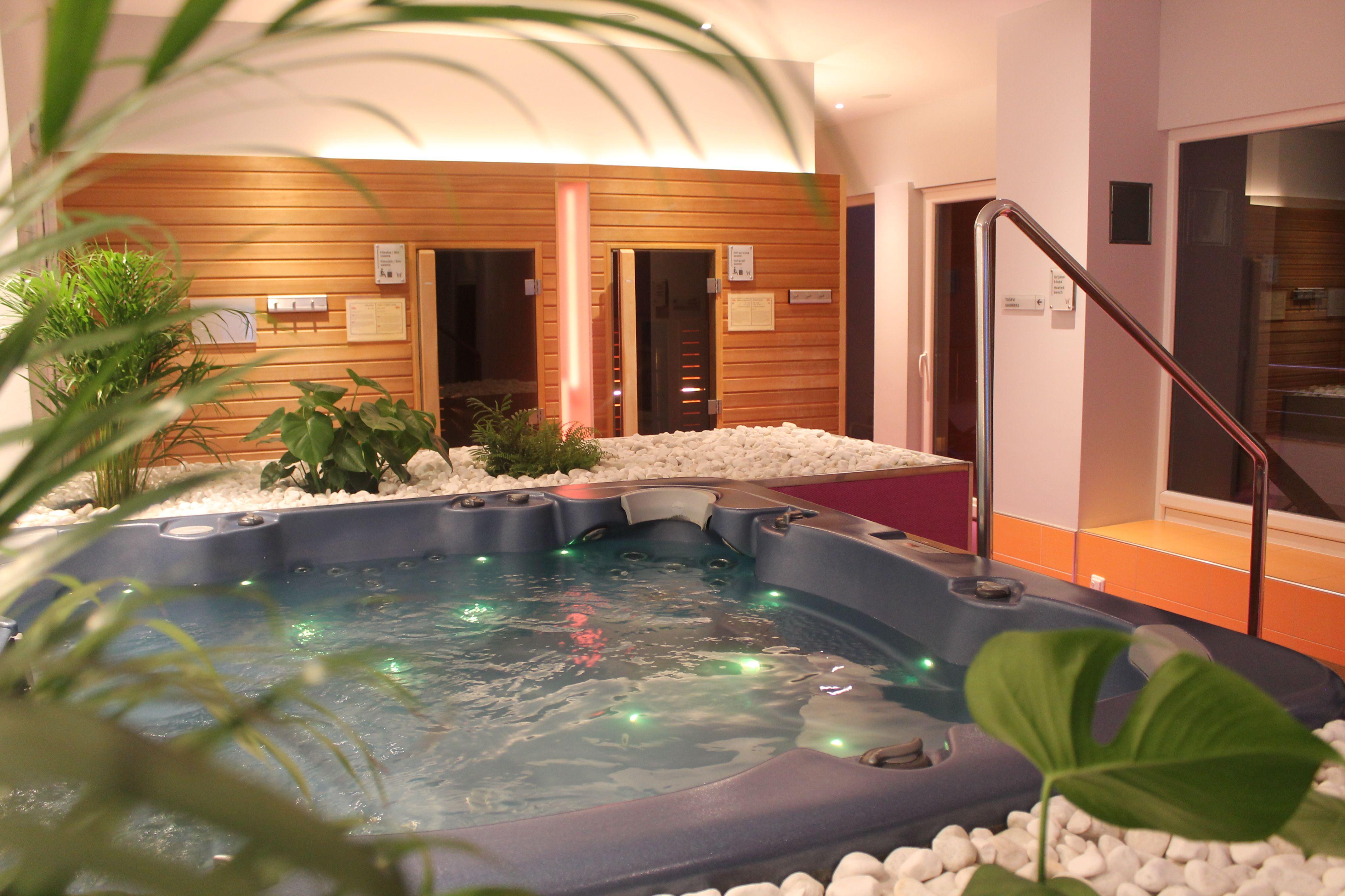 Wellnesshotel Mit Whirlpool Im Zimmer