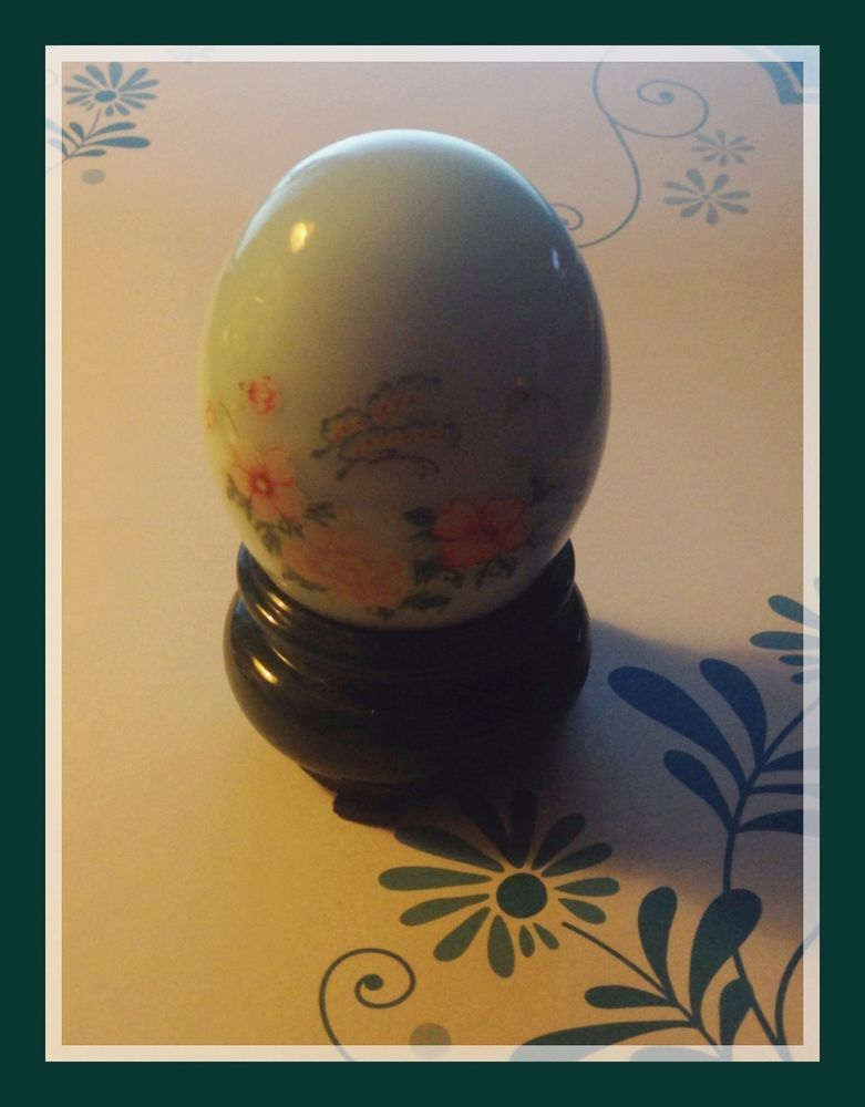 AVON 1975 ORIENTAL PAINTED EGG DELICATE BLOSSOMS PATCHWORK COLOGNE 1 FL. OZ. NEW #Avon