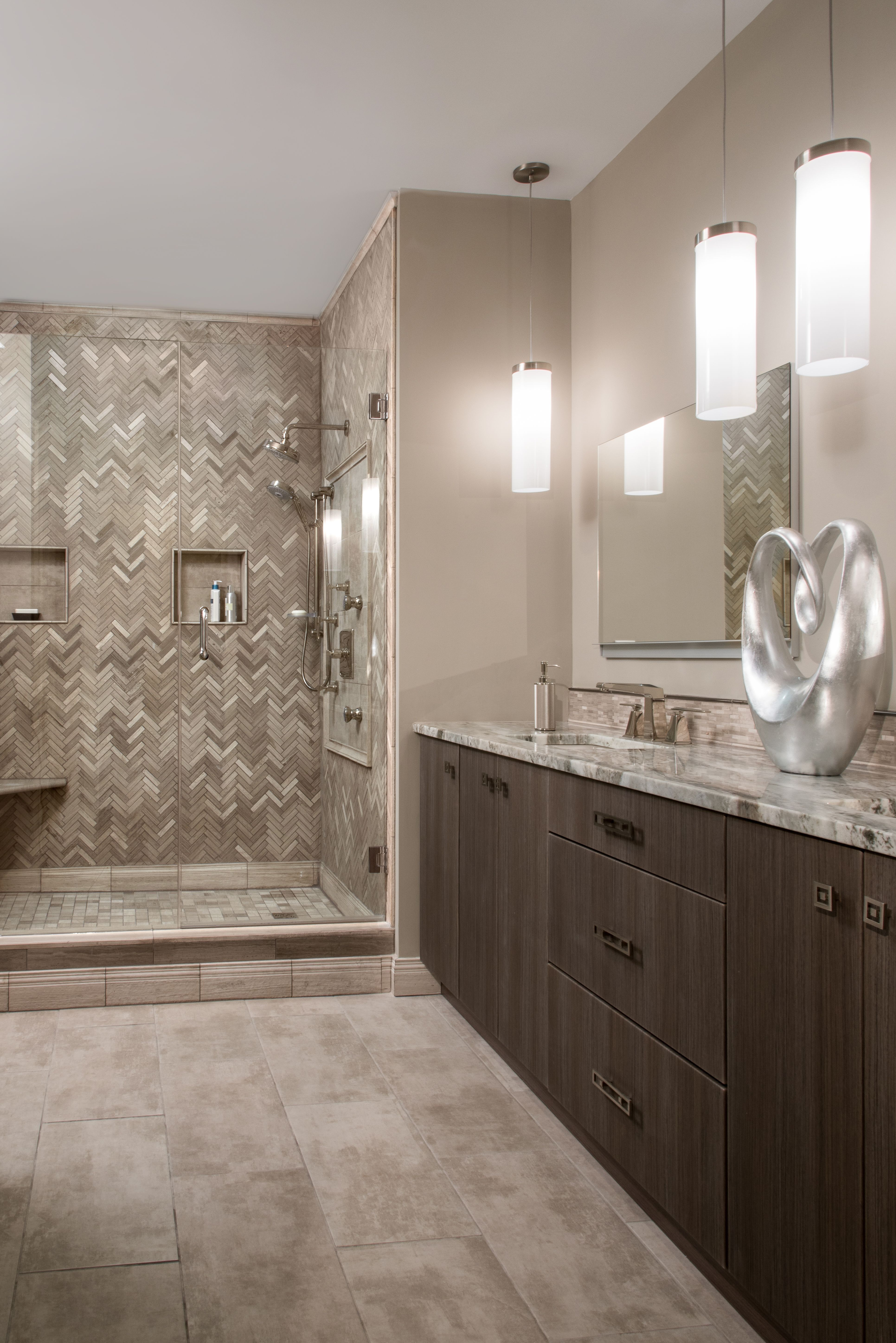accent colors for beige bathroom with dark brown bathroom