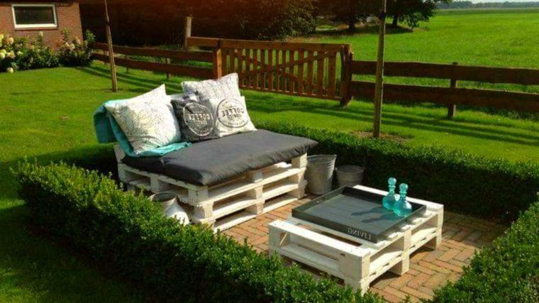 Divano Pallet Esterno : Proposta per arredare lesterno con un divano e un tavolo realizzati