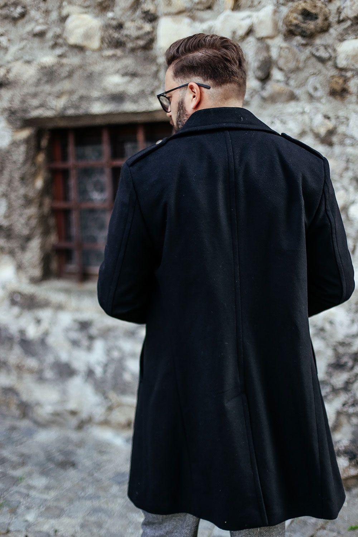 Outfit: Mantel im Military Look, Sweater und elegante Hose