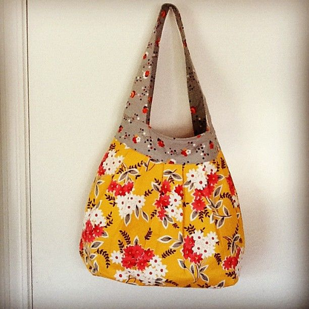 Little Bluebell: Birdie Sling Bag by Adrianne Ove, #birdiesling #fleamarketfancy #sewing