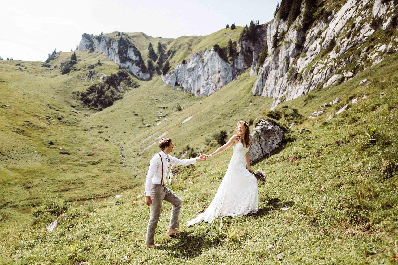 Boho Hochzeit Auf Der Stie Alm In Bayern I Hochzeit Am Berg In Bayern Boho Hochzeit Hochzeitsfotograf Hochzeit