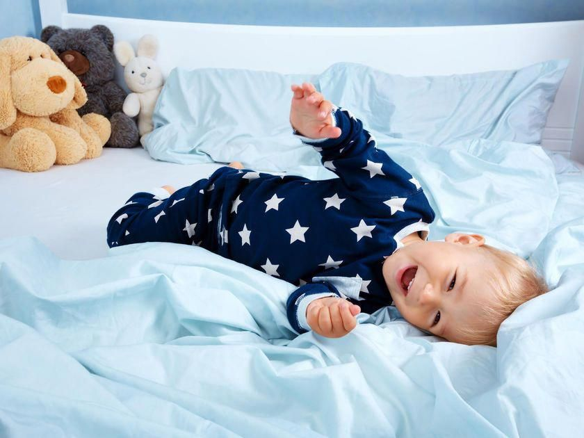 4 Things to Consider Before Moving Your Kid From Crib to ...