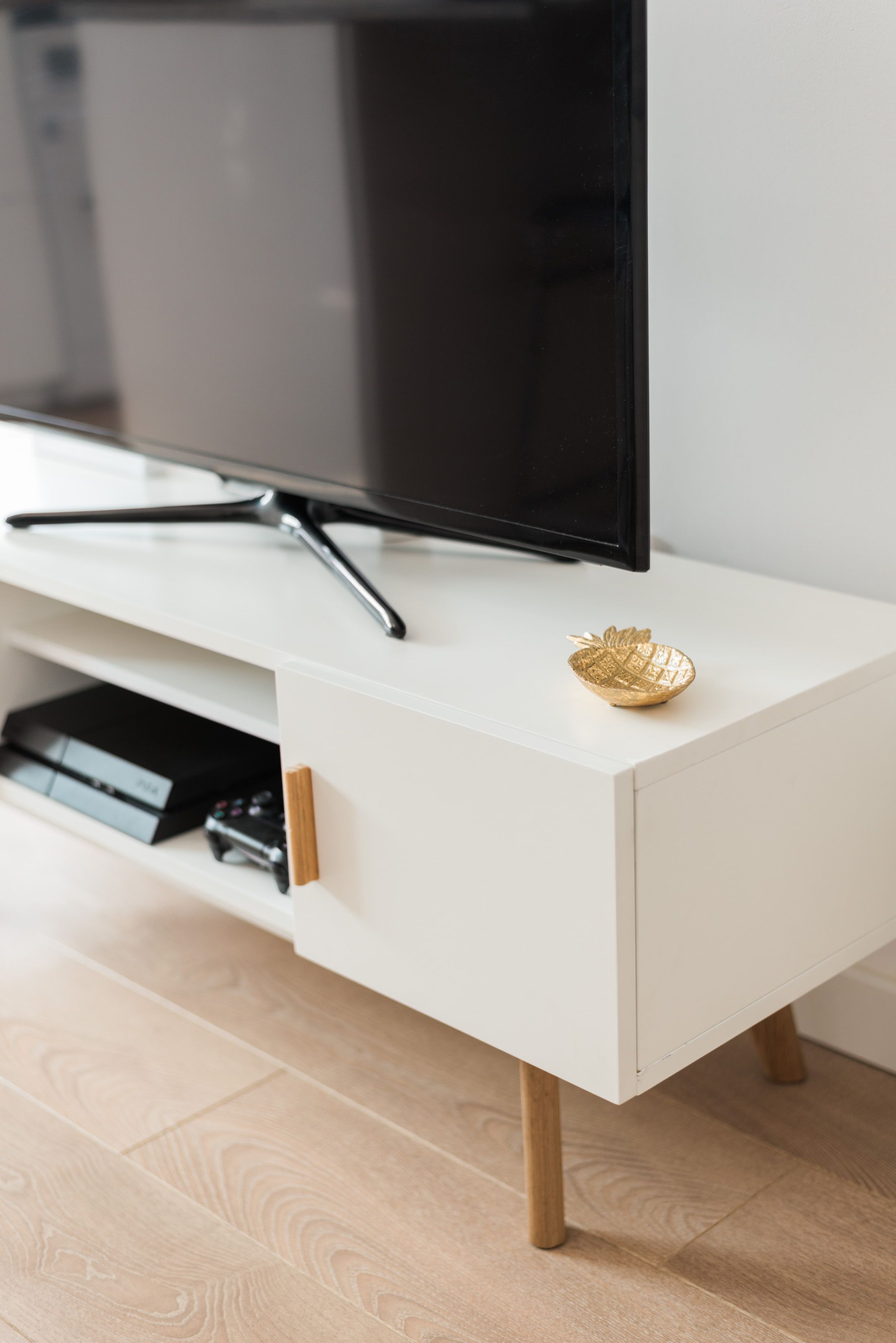 scandinavian style white tv unit #scandinavian #home #furniture