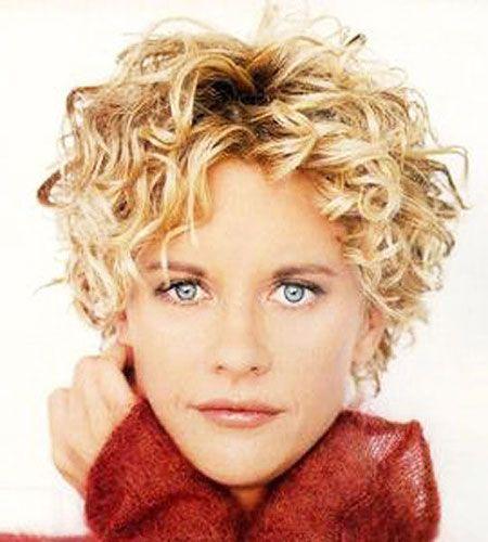 18 besten kurzen lockigen Frisuren für Frauen über 50 #layeredcurlyhair