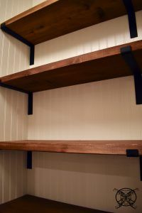 DIY Farmhouse Pantry Shelves #pantryshelving