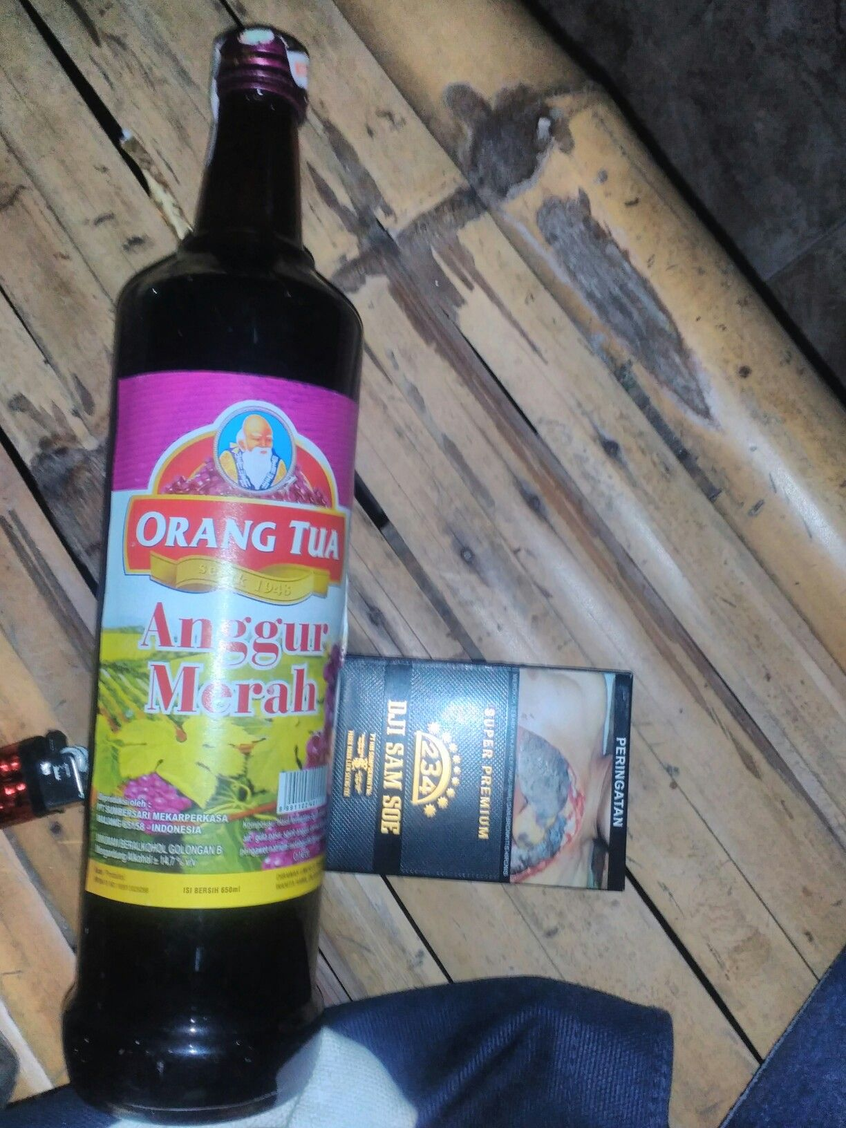 Gambar Anggur Merah Orang Tua : gambar, anggur, merah, orang, Orangtua, Minuman, Keras,, Anggur, Merah,, Alkohol