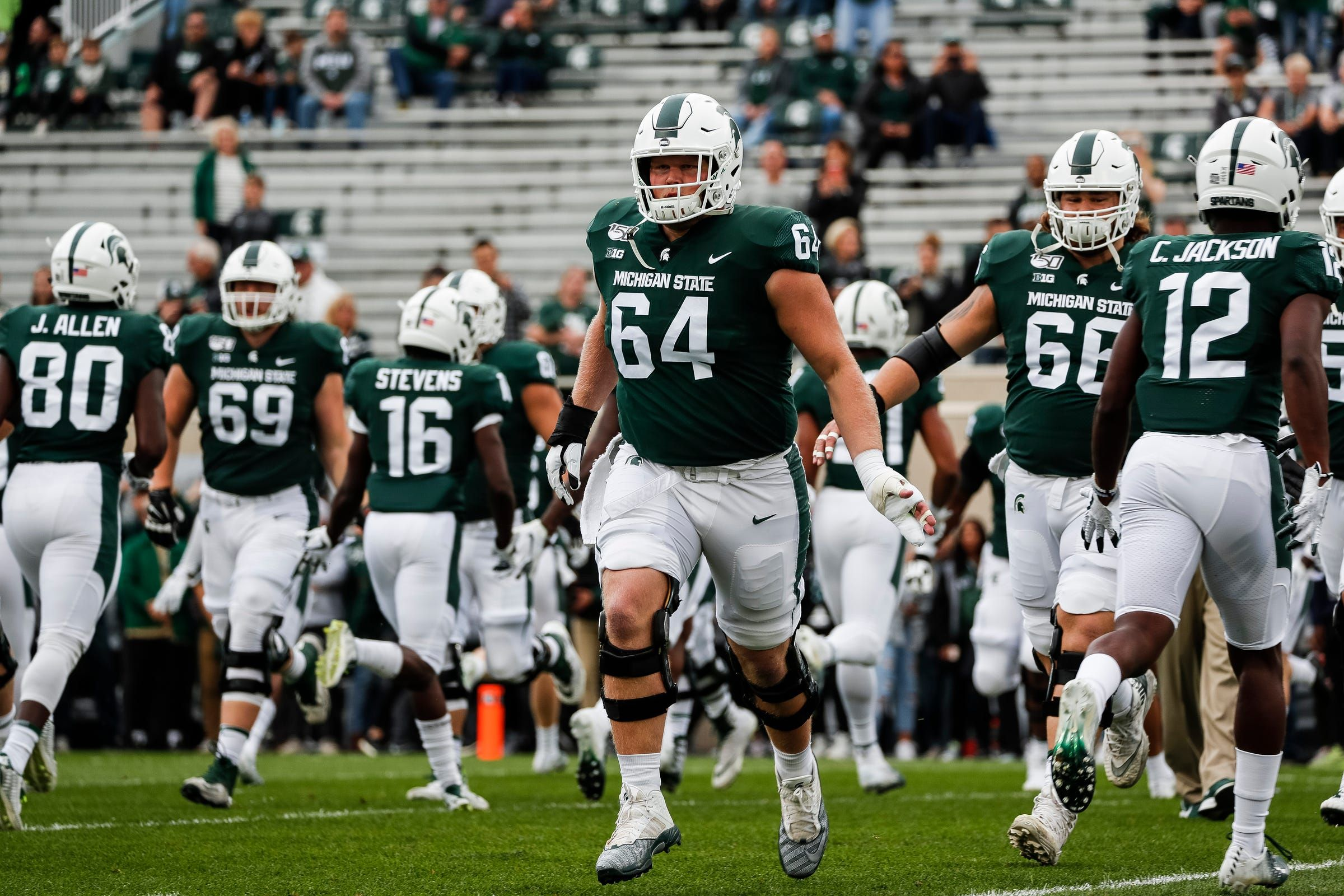 Michigan State Football Players Find Out Brothers Come In Handy In Workouts In 2020 Football Workouts College Football Gameday Michigan State Football
