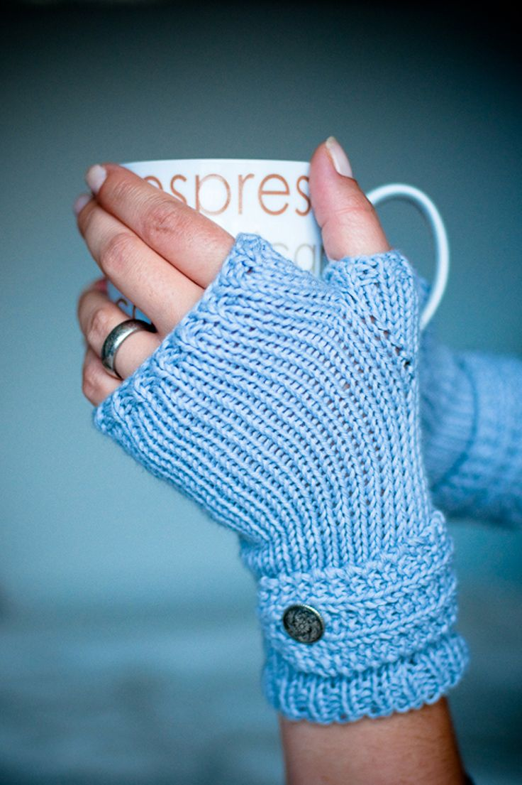 Top 10 Free Patterns for Knitting Fingerless Mittens | Fingerless ...