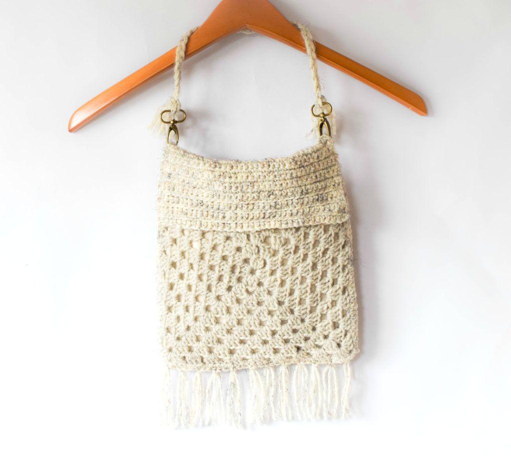 Boho Fringe Granny Square Crochet Purse | Bolsos cartera, Bolsos y ...