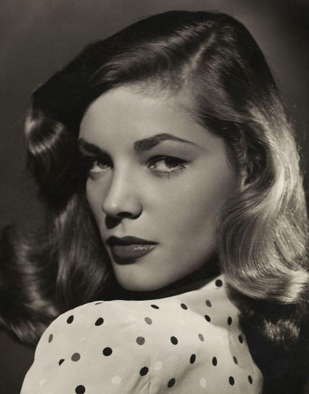 Lauren Bacall - 1944 - Photo by Bert Six - @~ Mlle