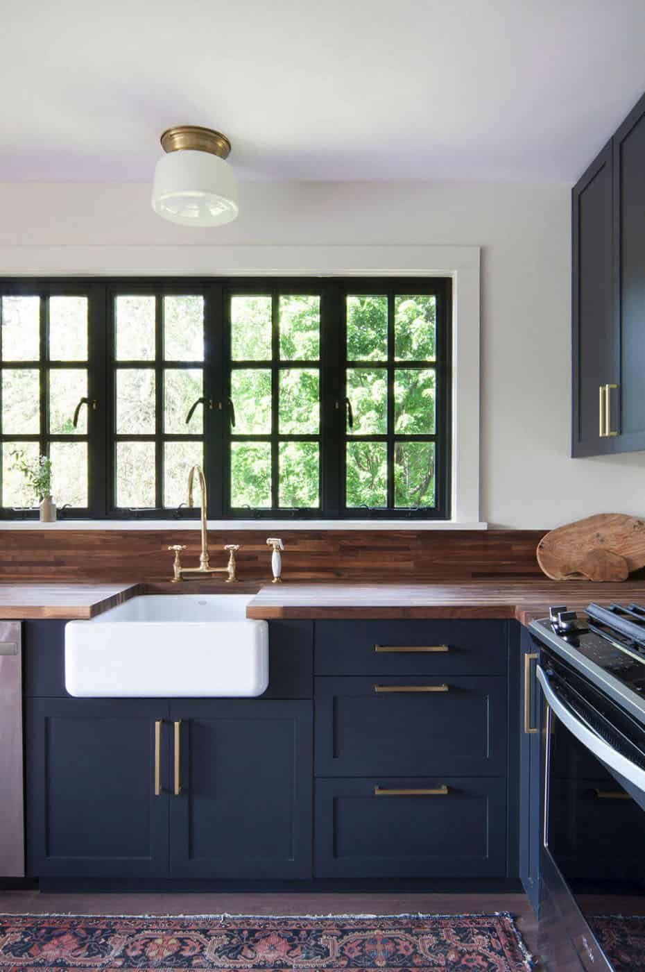Charming Midcentury Modern Cottage Overlooking The Hudson River In 2020 Kitchen Cabinet Styles Kitchen Cabinet Design New Kitchen Cabinets