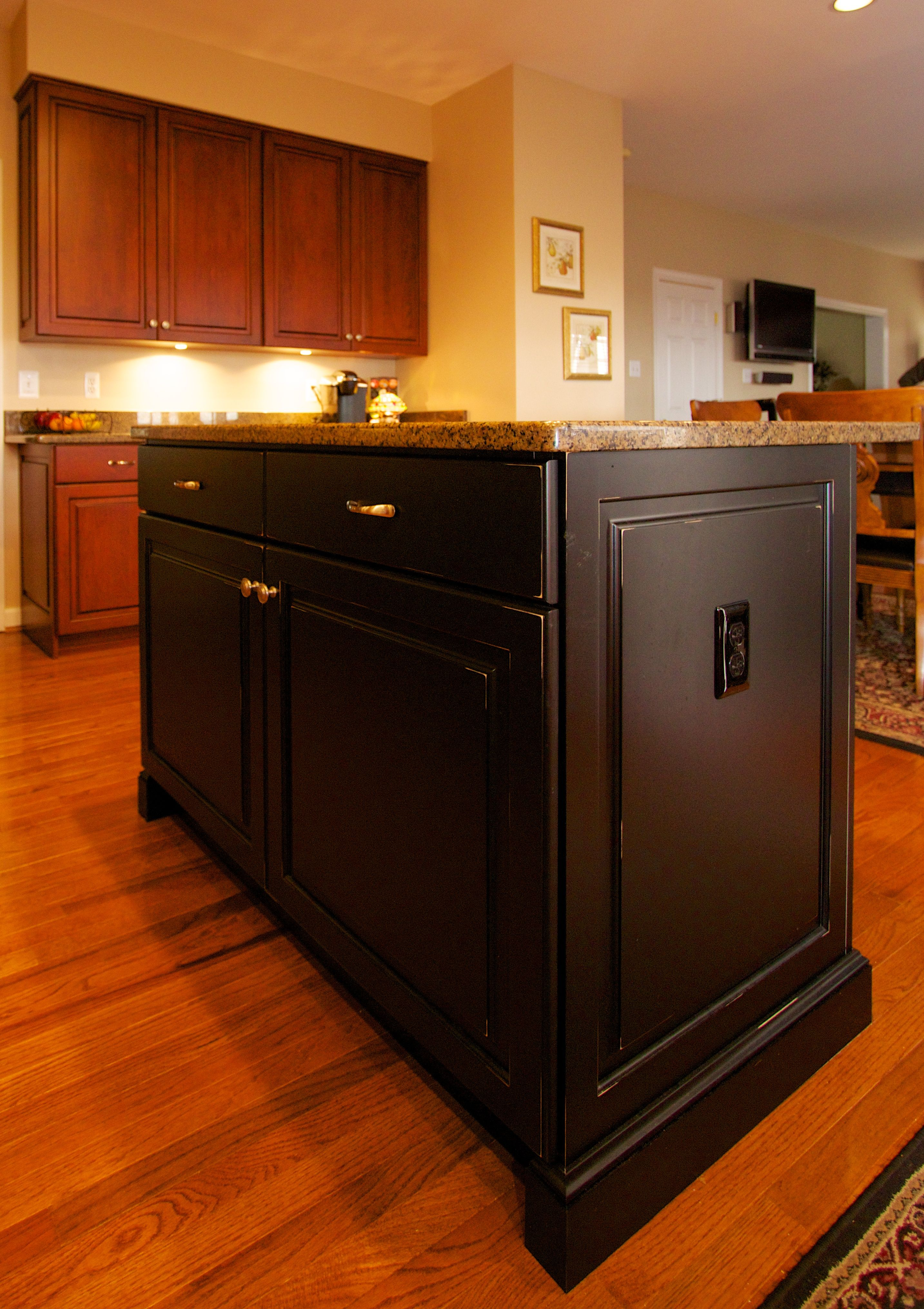 Home Page Kitchensaver Custom Kitchen Cabinets Kitchen Cabinets And Countertops Kitchen Concepts