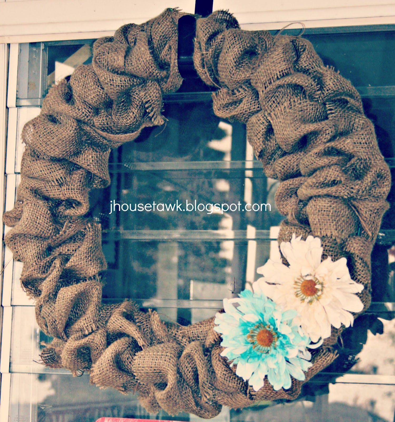J House Tawk: Spring/Summer Burlap Wreaths!!