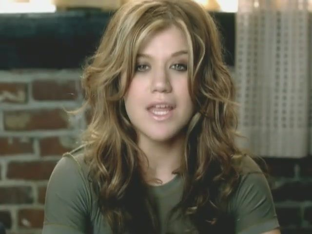 Kelly Clarkson In The Since U Been Gone Video Obsessed With Her Hair Kelly Clarkson Hair Kelly Clarkson Hair