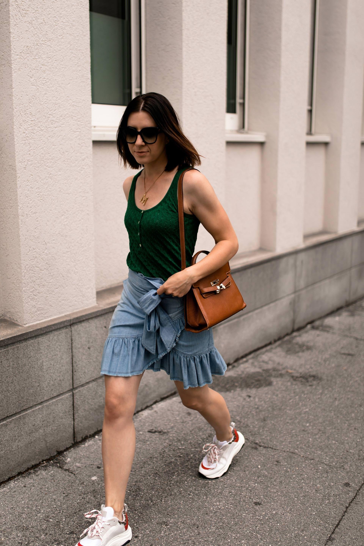 Enthalt Unbeauftragte Werbung Sportlich Und Schick Kombinieren Sommer Outfit Sportliche Schicke Outfits Damen Spo Modetrends Zara Outfit Sportliche Outfits