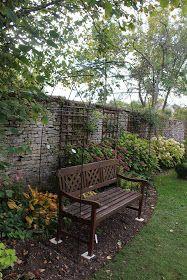 Une arche en fer à béton | Arche jardin, Fer à béton, Jardins