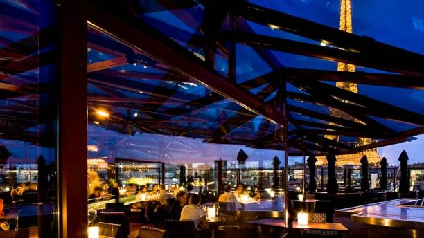The Top 10 Rooftop Bars In Paris Inspirations Ideas Restaurantes Em Paris Paris Restaurantes