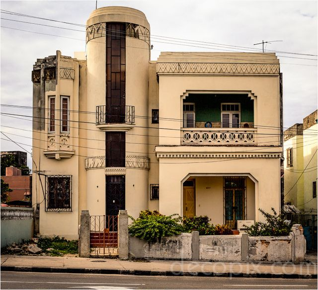 Solomon Kalamanowitz House Havana Cuba Art Deco Architecture Art Deco Buildings Cuban Architecture