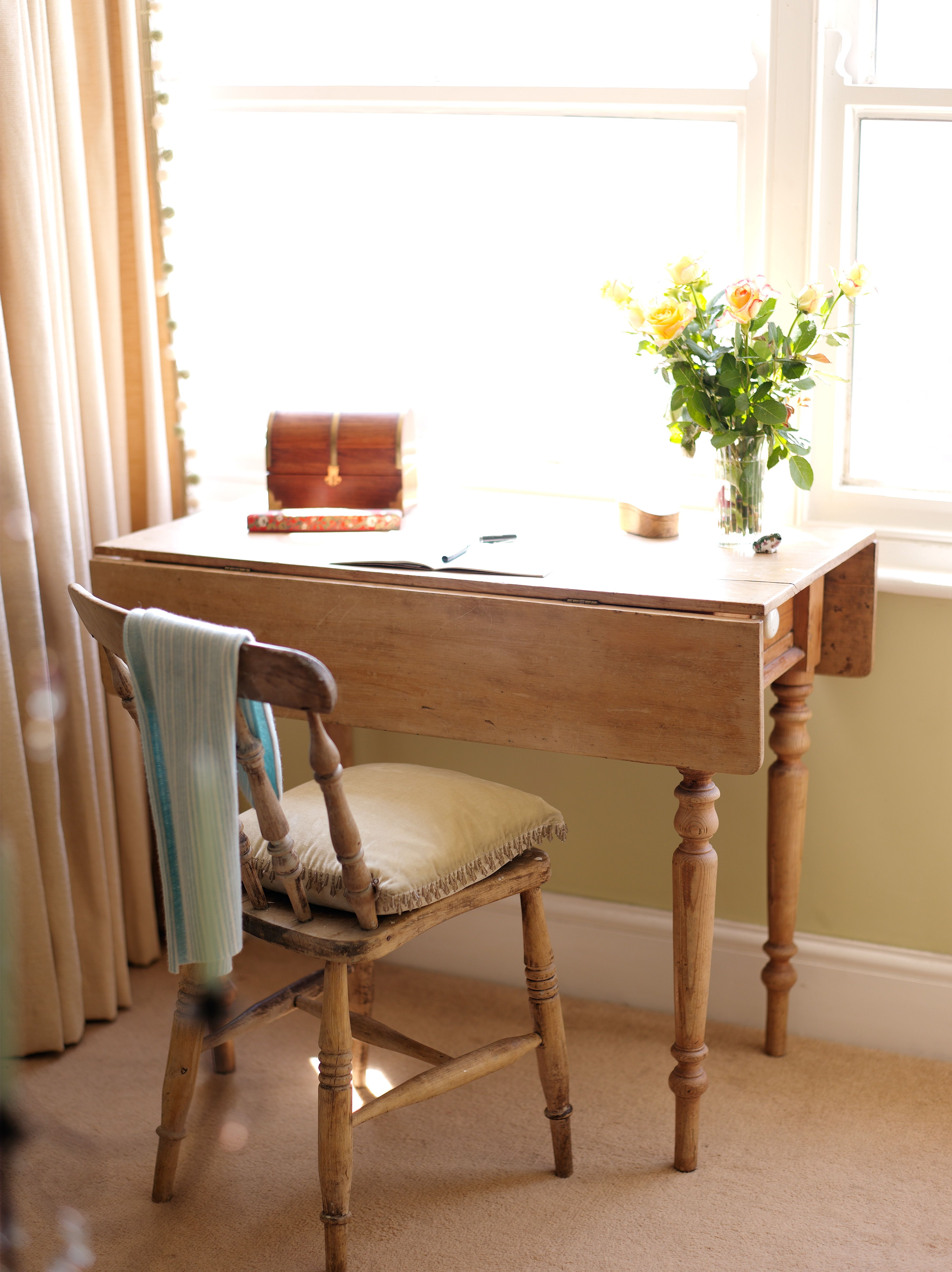 Writing desk with sea view