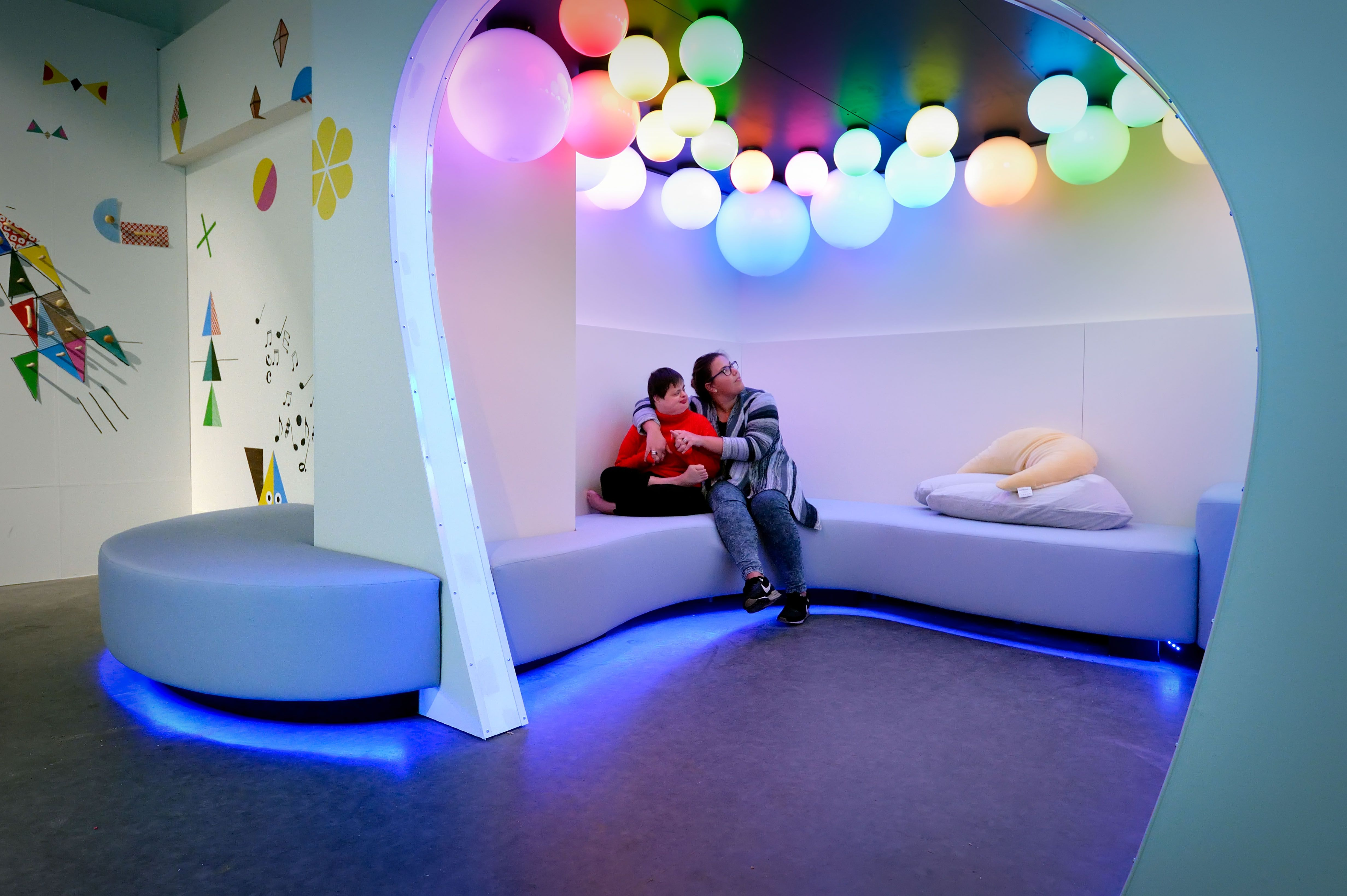 The New Experience in Arnhem for multi disable people offers an inspiring adventure based on all kinds of sensory stimulation: light, sound, colour, movement, the element of play. Photography (c) Mike Bink.