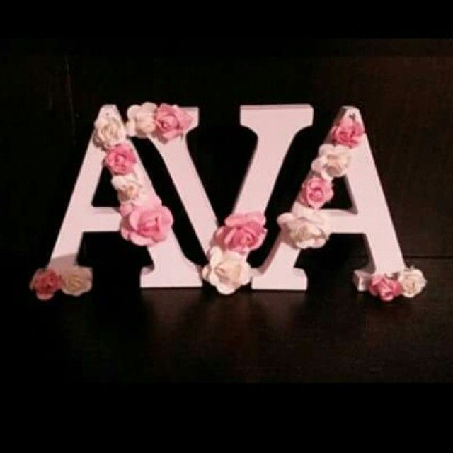 love these simple floral letters  #handmadeletters #handmade #flowers #babiesroom #babyshower #babyshowerpresents #newbabypresent #newbaby #vintage #letters