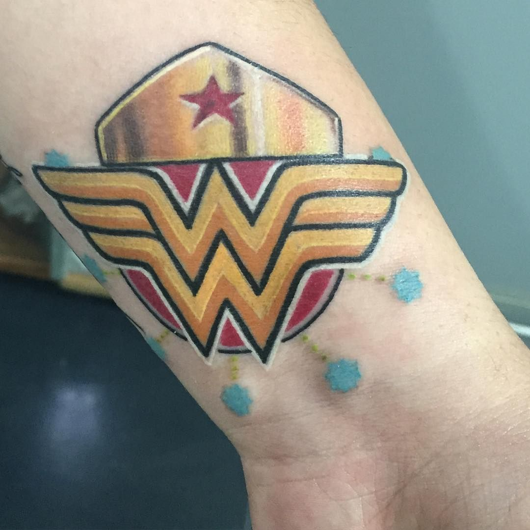 Leave off blue dots. Wonder woman tattoo, Tattoos for