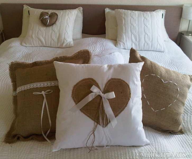Cojines con tela de saco ideas para nuestras telas for Cortinas de tela de saco
