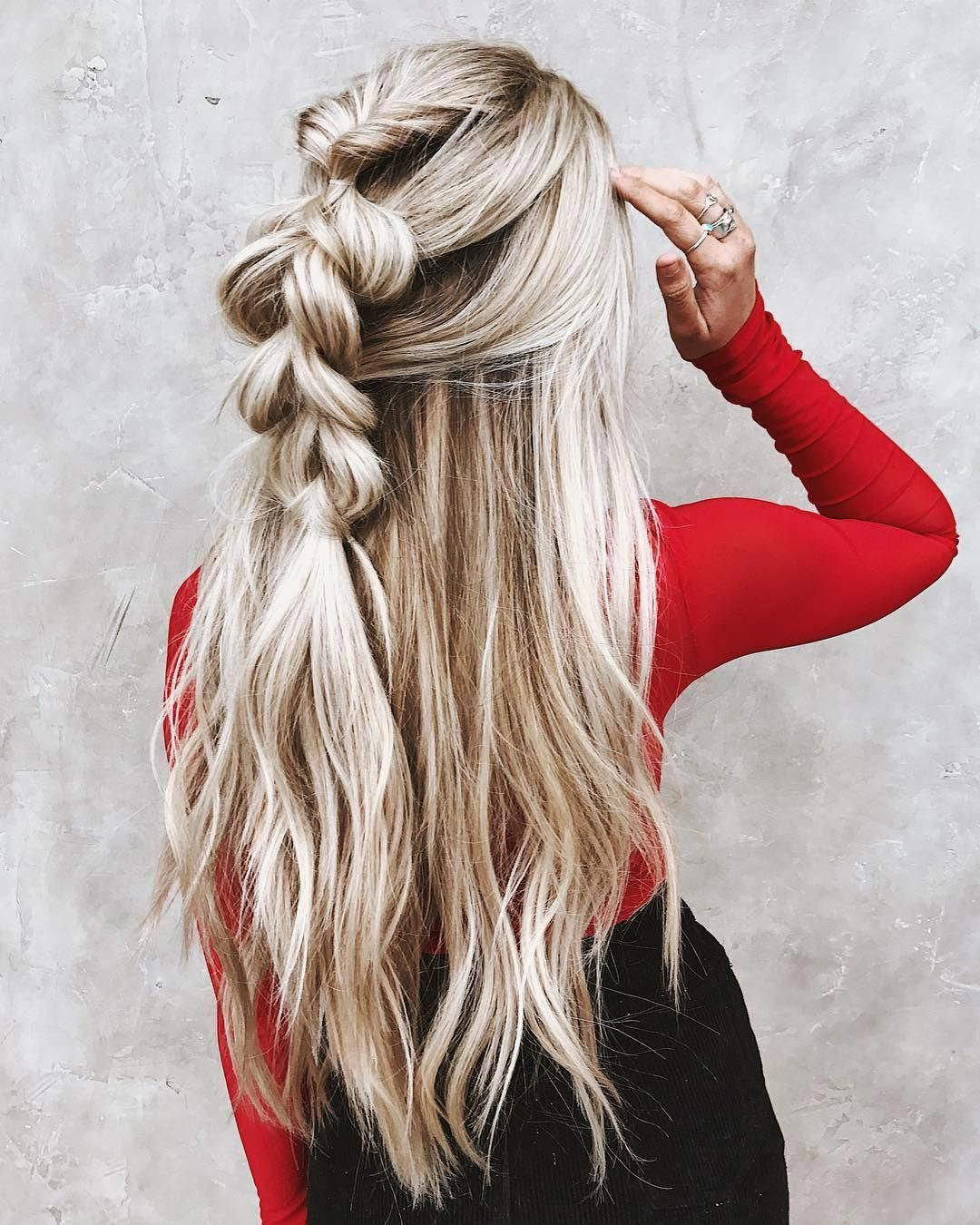 Messy Braided Hairstyle With Long Hair Women Long Hairstyles For Summer Longhairstylesideas Messy Braided Hairstyles Long Hair Styles Braided Hairstyles