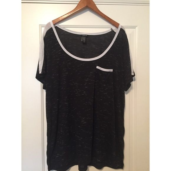 Torrid raglan tshirt NEVER WORN black and white speckled raglan Tshirt. Very soft cotton. torrid Tops Tees - Short Sleeve