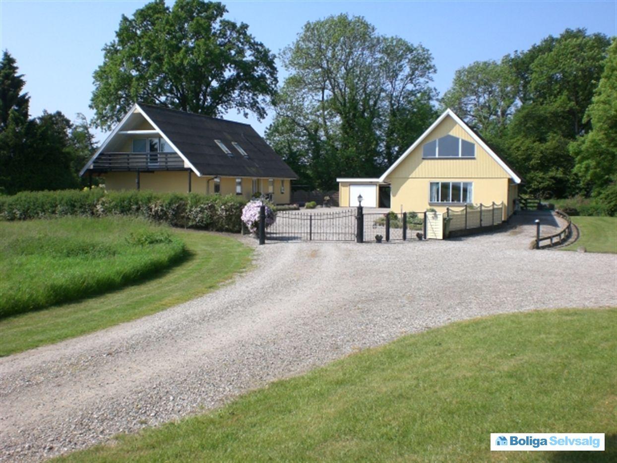 Hagenborgvej 4, Tårup, 5871 Frørup - Ugeneret landvilla med masser af albuerum #villa #frørup #selvsalg #boligsalg #boligdk