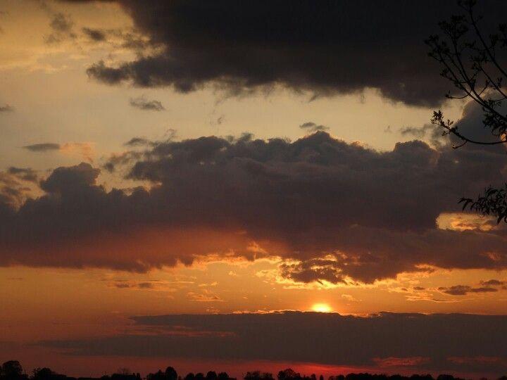 Cloudy sunset beautiful locations sunset lake ontario