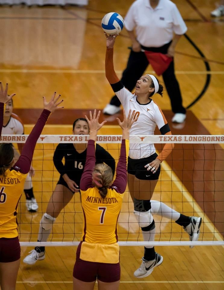 Haley Eckerman Ut Vs Minnesota Photo By Jesse Drohen Www Hornsillustrated Com Female Volleyball Players Women Volleyball Volleyball Mom